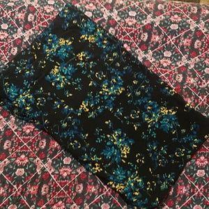 LuLaRoe Pants - TC NWT black floral leggings from lularoe